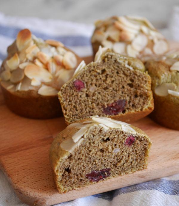 Muffins the matcha cranberries y almendras